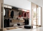 Дизайнерско изпълнение на гардеробни по поръчка