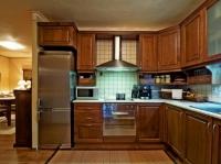 Кухня от масивна дървесина