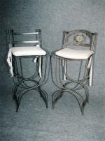 Изпълнение на индивидуални проекти за бар столове от ковано желязо