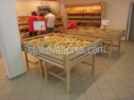Дървени стелажи за плодове и зеленчуци