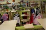 обзавеждане със стелажи за детски магазин
