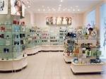 Изработване на търговски щандове за козметични магази