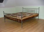 спалня метална