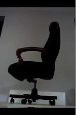 уникални черни президентски офис столове